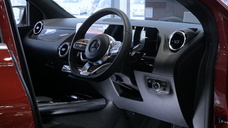Mercedes-Benz B Class B200d Sport Review Interior