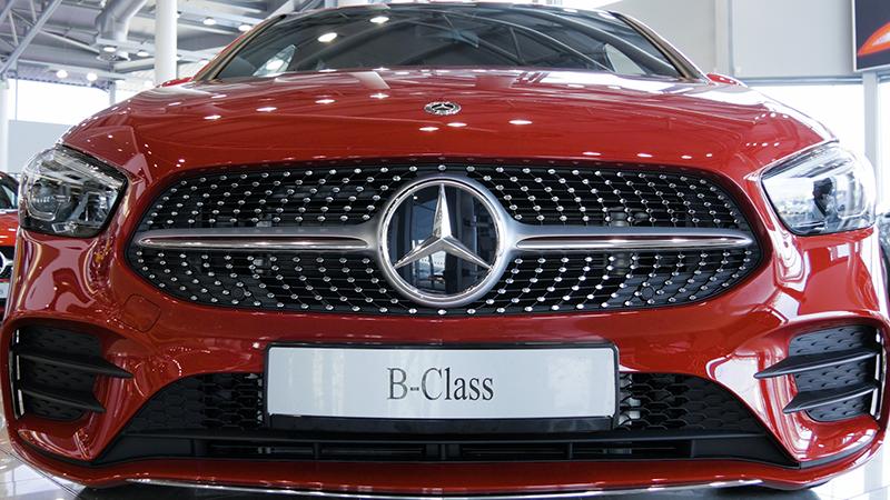 Mercedes-Benz B Class B200d Sport Review Front
