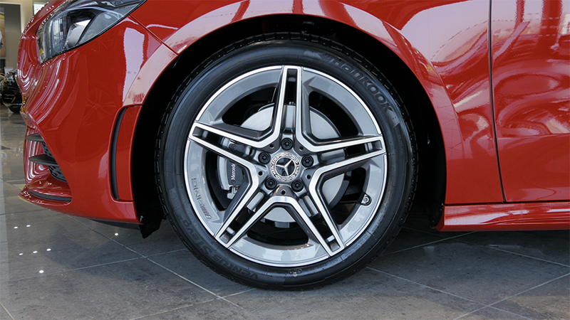 Mercedes-Benz B Class B200d Sport Review Wheel
